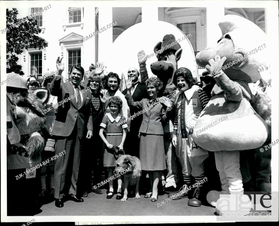 Stock Photo: Apr. 04, 1982 - President and Mrs. Ronald W. Reagan waver to guests on the South Grounds at the White House today as Easter Egg Roll.