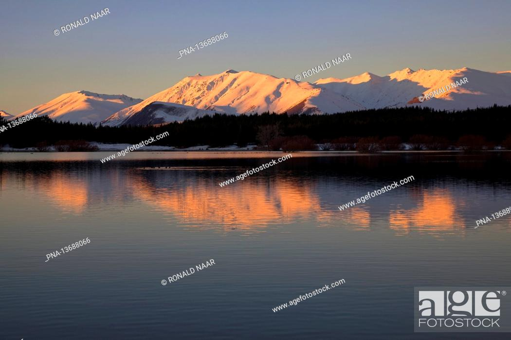 Stock Photo: Lake Tekapo, Southern Alps, New Zealand.