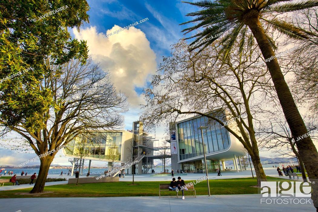 Imagen: Botin Center Museum Art and Culture, Architect Renzo Piano, Jardines de Pereda, Santander, Cantabria, Spain, Europe.