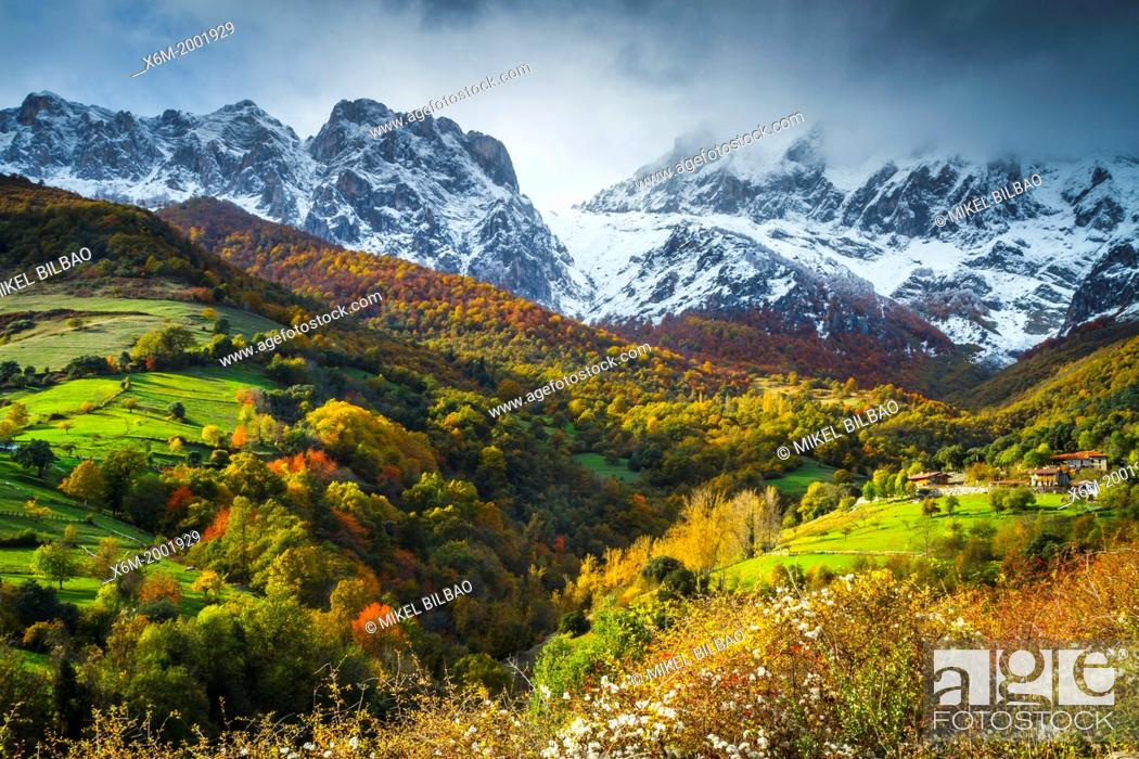 Stock Photo: Tanarrio and Picos de Europa National Park.
