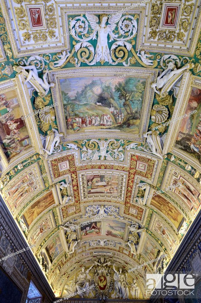 Italy lazio rome vatican city listed as world heritage by unesco foto de stock italy lazio rome vatican city listed as world heritage by unesco vatican museums the vault of the gallery of maps gumiabroncs Image collections