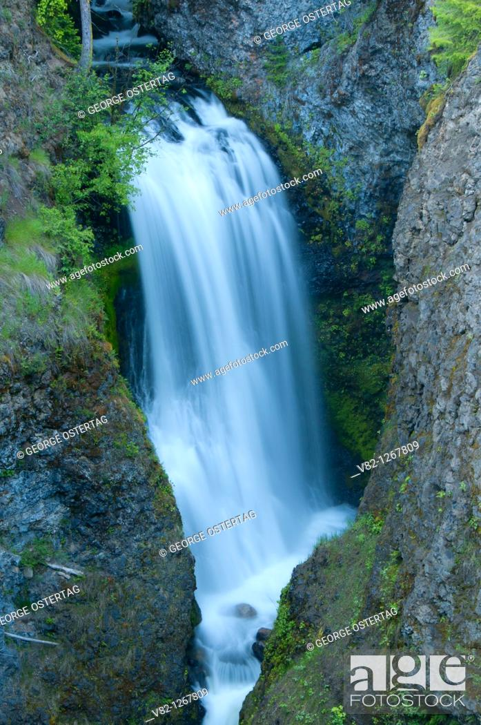 Stock Photo: Waterfall at Third Canyon, Wells Gray Provincial Park, British Columbia, Canada.
