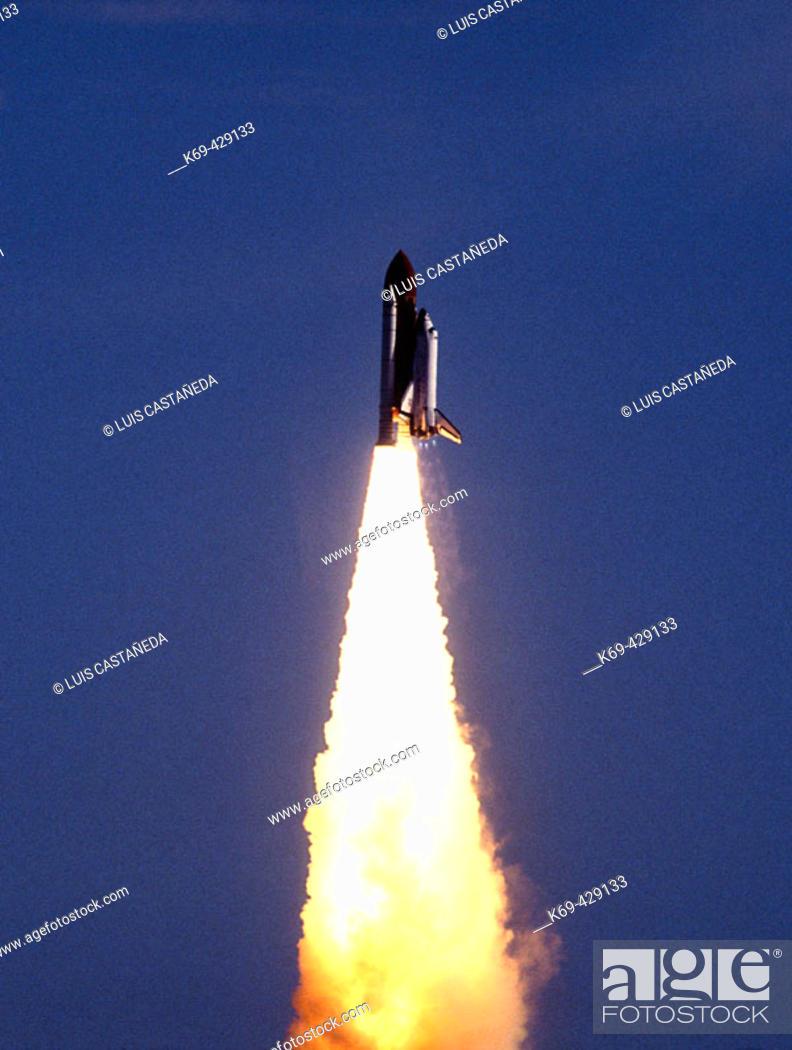 Stock Photo: Space Shuttle Lift-off. KSC-NASA. Florida. USA.