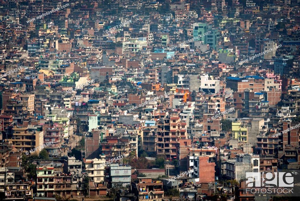 Imagen: The view of Kathmandu from Swayambhunath above Kathmandu, Nepal.