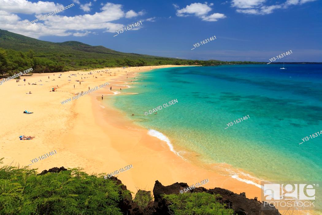 Stock Photo: Turquoise water at Big Beach, Makena, Maui, Hawaii.