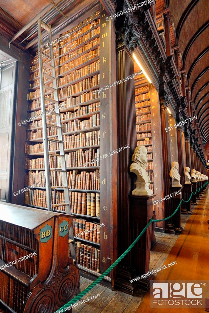 Imagen: The Old Library, Trinity College, Dublin, Ireland - The Book of Kells 17. 06, 2018.