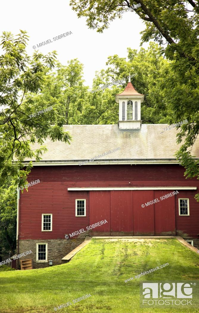 Stock Photo: Red Barn in Pennsylvania - USA.