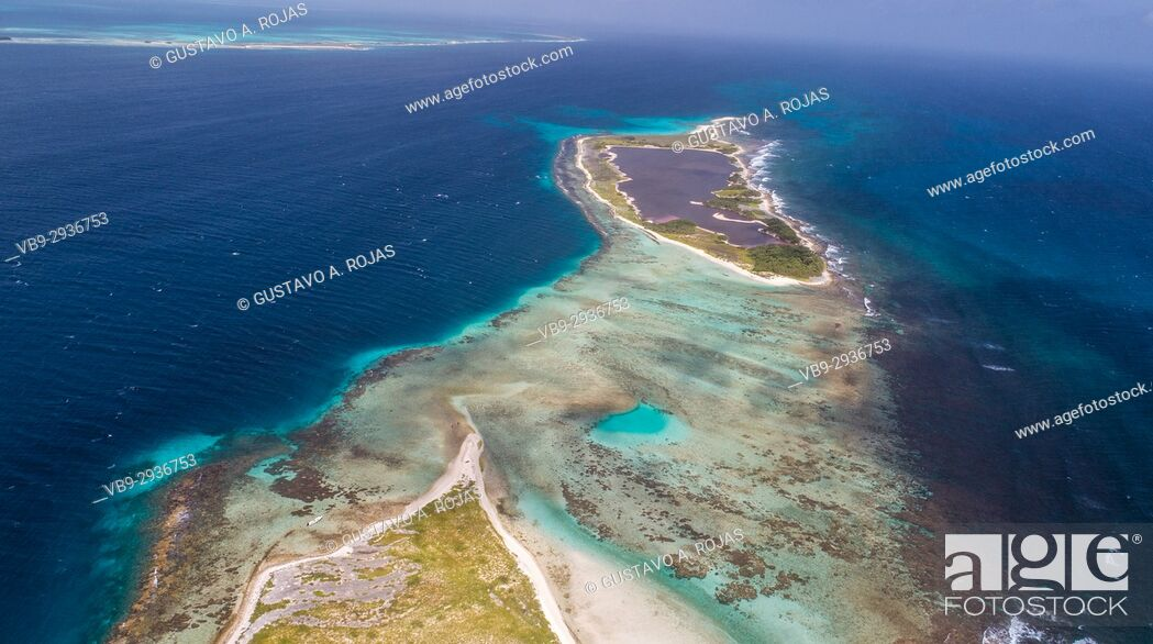 Stock Photo: Aerial View cankys los roques venezuela.