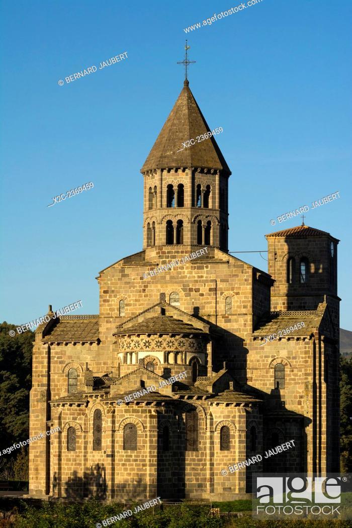 Imagen: France. Puy de Dôme. Auvergne. Romanesque church of Saint-Nectaire.