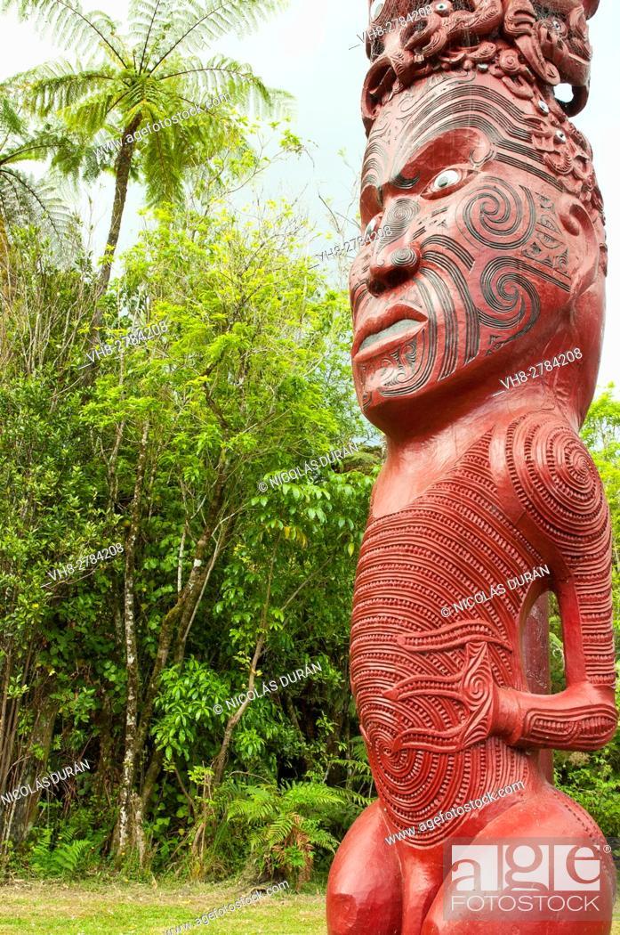 Stock Photo: Maori totem. Whanganui National Park. New Zealand.