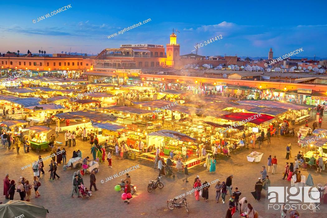 Photo de stock: Marrakesh. Jemaa el Fna Square in the night. Morocco.