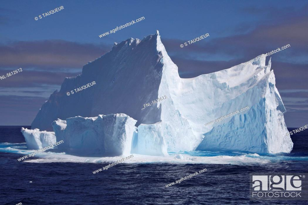 Imagen: Iceberg on the Weddell Sea, Antarctica.