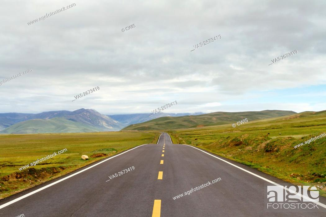 Stock Photo: Ganzi Prefecture, Sichuan province, China - The view of the highway in the open air.