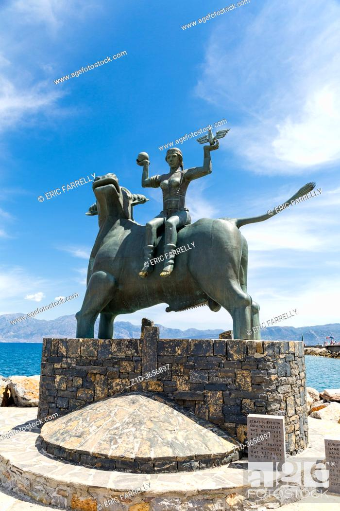 Imagen: BULL, STATUE OF EUROPE, AGIOS NIKOLAOS, CRETE, GREECE, .