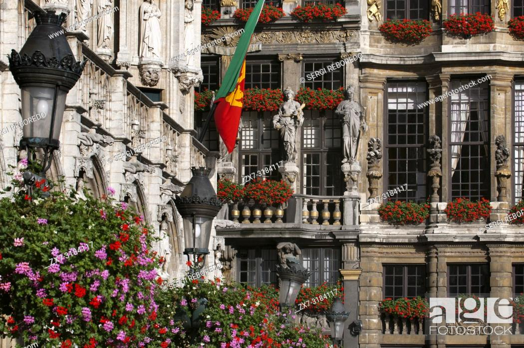 Stock Photo: Some of the balconies and facades Louve, Sac and Brouette, next to Hôtel de Ville. (Town hall). Grand Place, Brussels, Belgium.