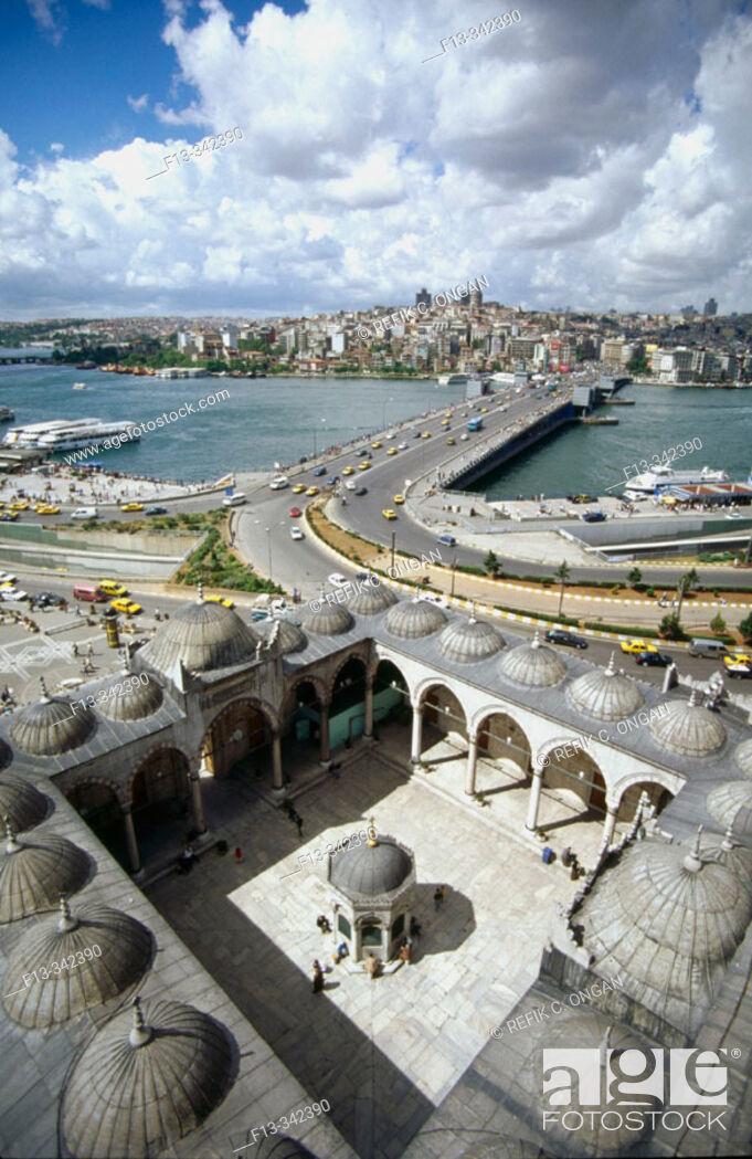 Stock Photo: yeni mosque in Eminonu , Istanbul.