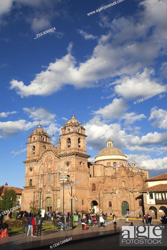 Stock Photo: View to the Iglesia De La Compania De Jesus-La Compania De Jesus Church at Plaza de Armas Square in the historic center, Cusco, Peru, South America.