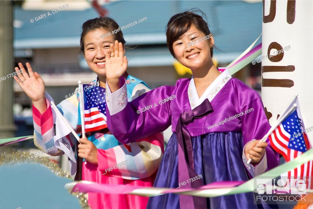 Imagen: Participants in Korean Festival.