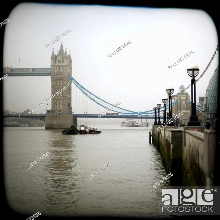 Stock Photo: Tower bridge, River Thames, London, England.