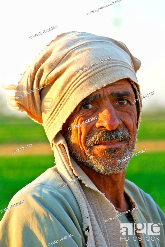 Imagen: Egyptian fellah, countryside Man portrait, Egyptian Village of El Shohada  Menoufia, Egypt.
