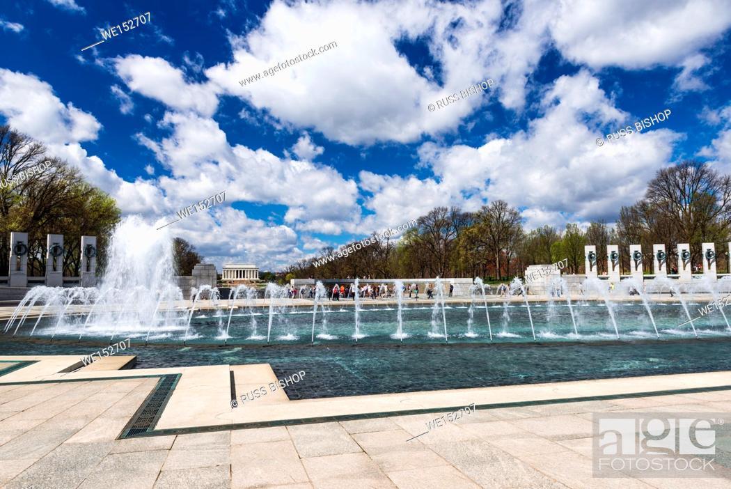 Imagen: The World War II Memorial, Washington, DC USA.