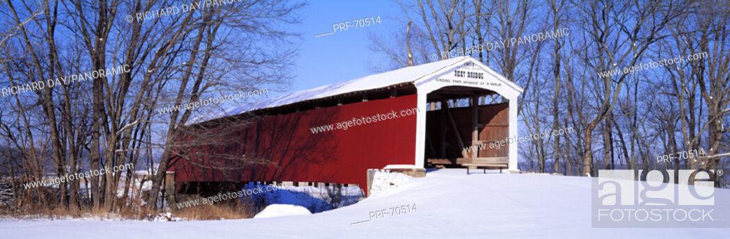 Stock Photo: Neet Covered Bridge Parke Co IN USA.