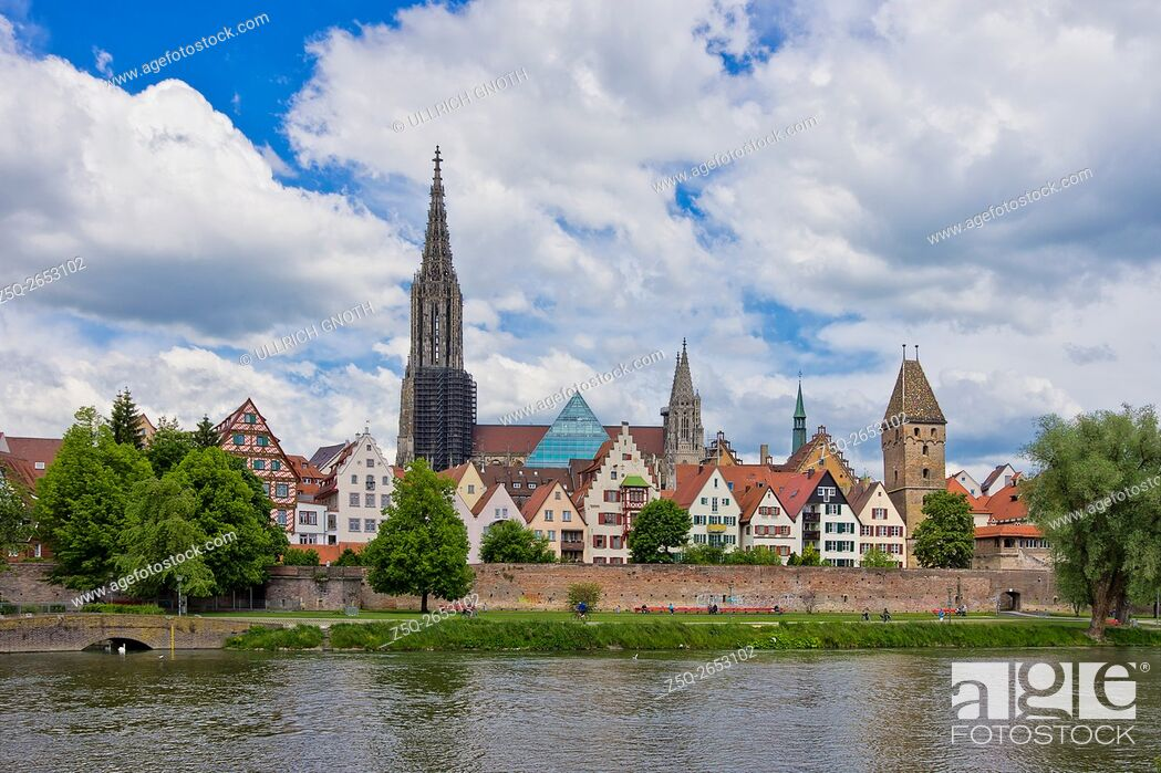 Stock Photo: Historic waterfront of Ulm showing the Ulm Minster and the ancient city walls, Ulm, Germany.