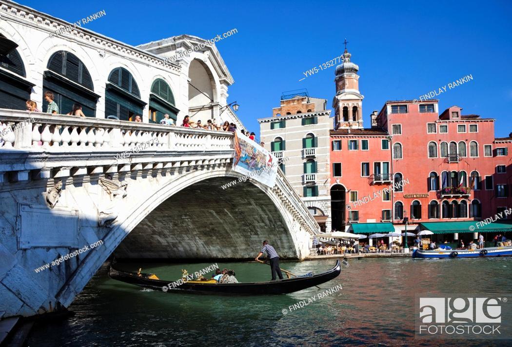 Stock Photo: Rialto Bridge, Grand canal, Venice, Italy.