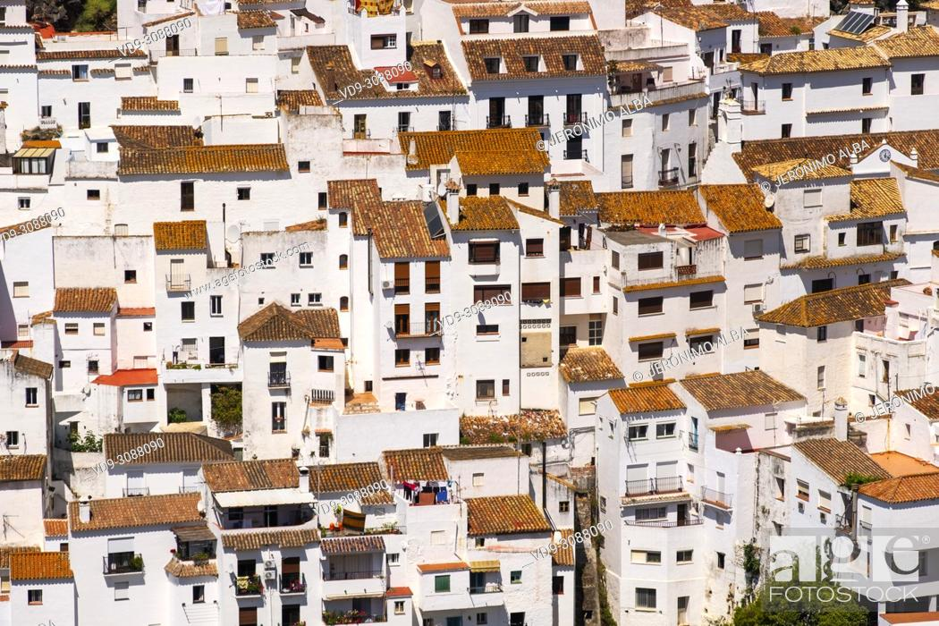 Imagen: White village of Casares. Costa del Sol, Málaga province. Andalusia, Southern Spain Europe.