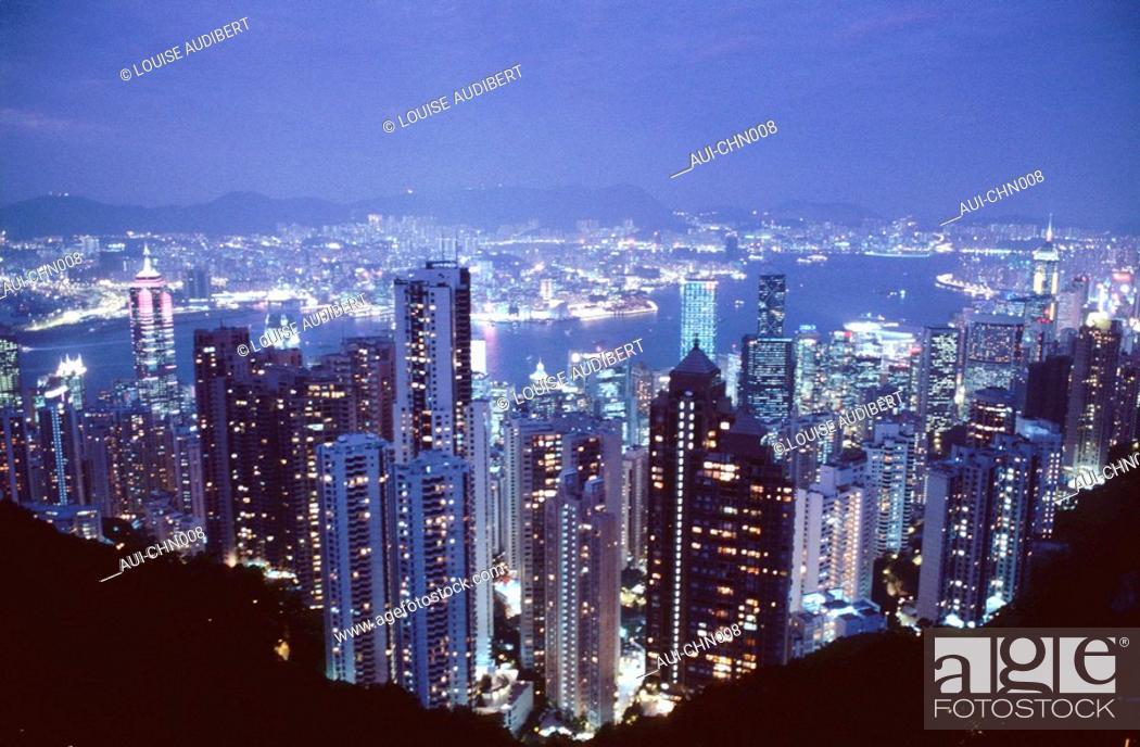 Stock Photo: Hong-Kong - the Peak - the Marboveg - Kowloon.