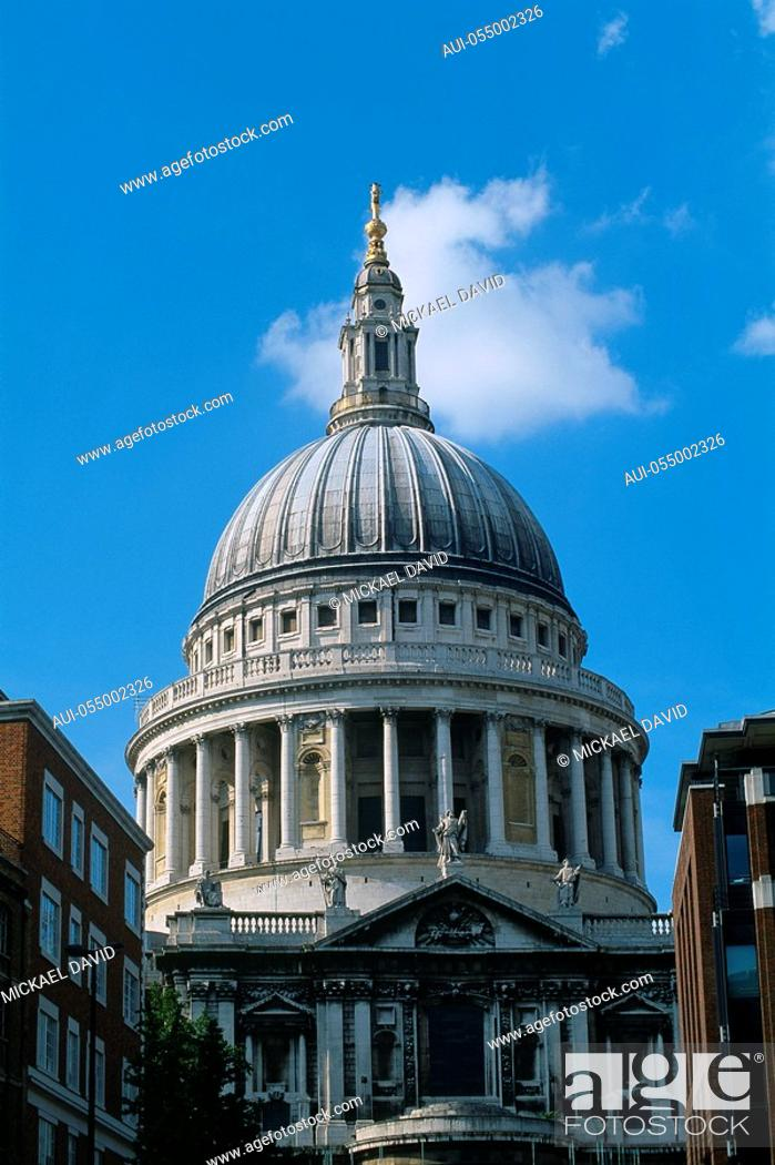 Stock Photo: England - London - The City - St. Paul's Cathedral.