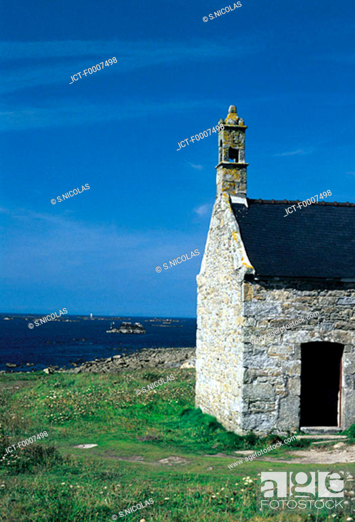 Stock Photo: France, Brittany, Chapel near Tremazan.