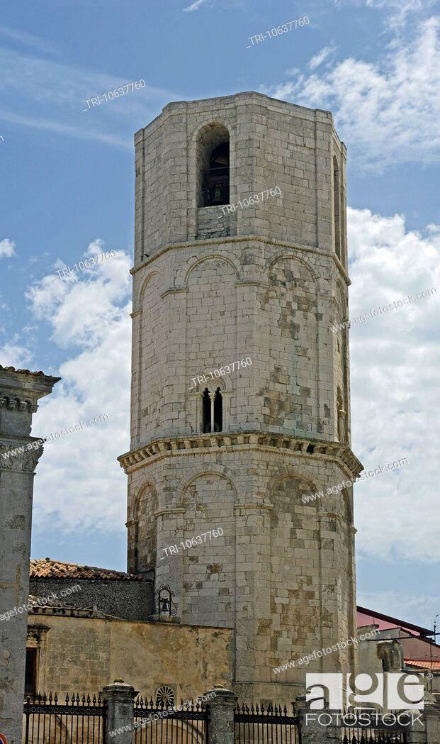 Imagen: Bell Tower Pilgrimage Church of San Michele Arcanulo Monte Sant'Angelo Apulia, Gargano Peninsula Puglia Southern Italy.