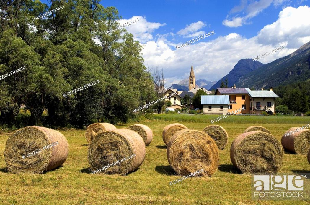 Stock Photo: France, Hautes Alpes, Brianconnais area, Vallee de la Claree, Val des Pres village.