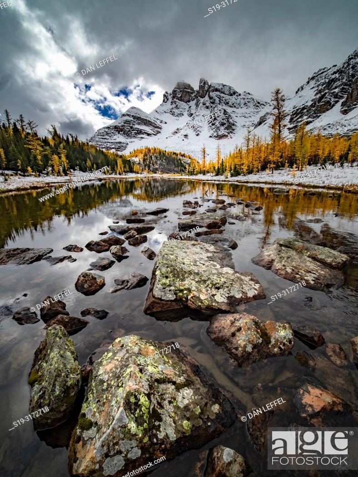 Imagen: Canadian Rockies. Assiniboine Provincial Park. Gog Lake.