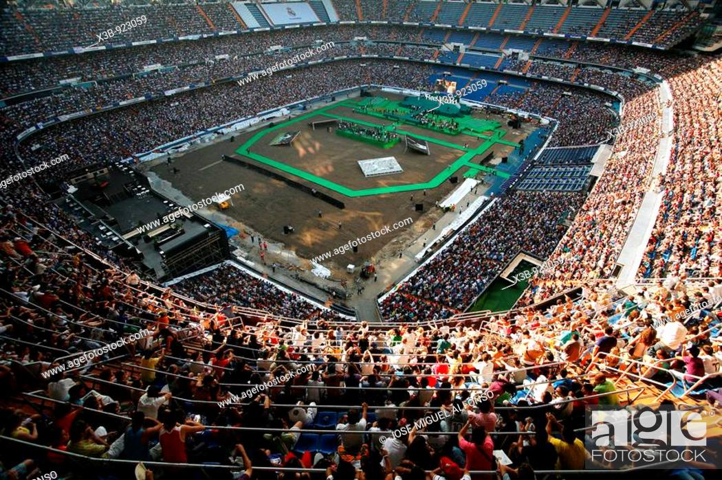 Stock Photo: Presentation of Cristiano Ronaldo like new football player of Real Madrid in the stadium Santiago Bernabeu, Madrid, Spain (July 6th, 2009).