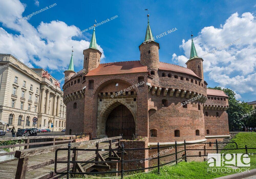 Imagen: Poland, Krakow City, Barbakan Fortress.