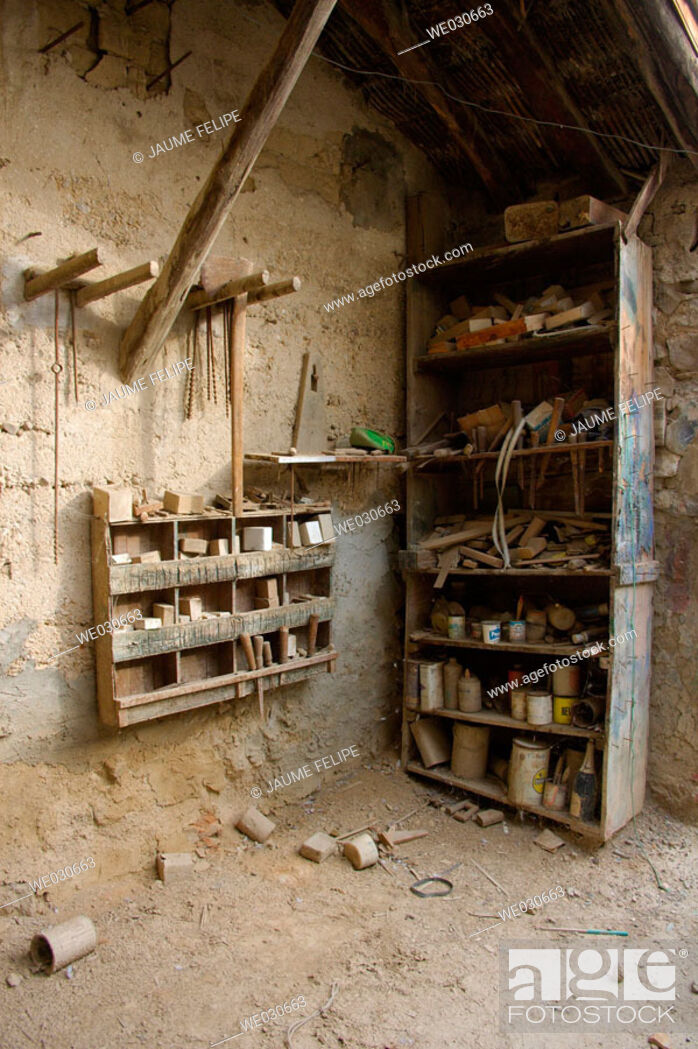 Stock Photo: Old abandoned carpenter's workshop. Huesca, Aragón, Spain.