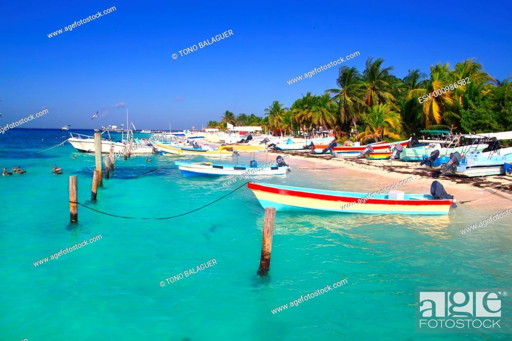 Photo de stock: Isla Mujeres Mexico boats turquoise Caribbean sea Quintana Roo.