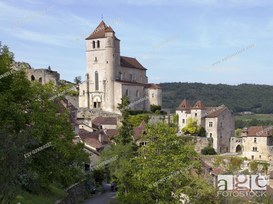 Stock Photo: Europe, France, Midi Pyrenees, Lot, the historic clifftop village tourist attraction of St Cirq Lapopie.