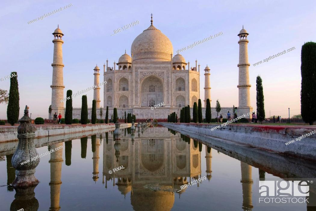 Stock Photo: Reflection, pond, Taj Mahal, Agra, Uttar Pradesh, India, Asia.
