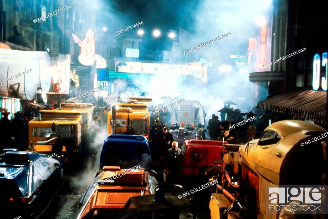 Stock Photo: movie, Blade Runner, USA 1982, director: Ridley Scott, scene, Science Fiction, sci-fi, cars, automobiles, traffic gym, chaos, smoke, dark, night,.