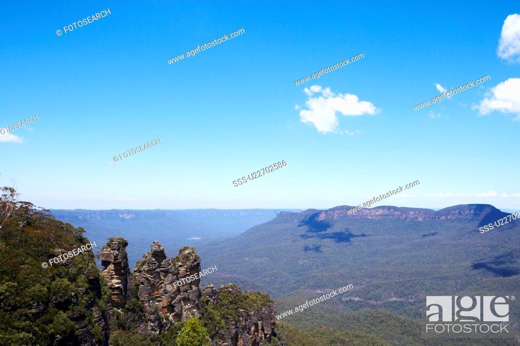 Stock Photo: Three Sisters in Blue Mountain, Australia.