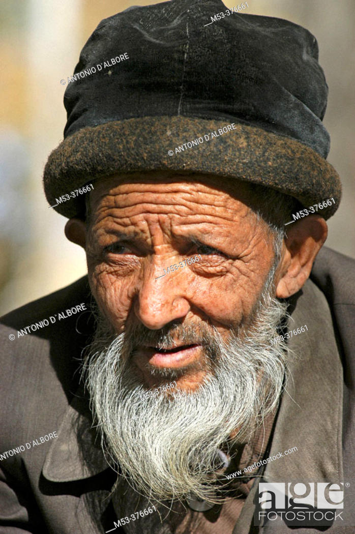 Stock Photo: Uighur man. Hetian. Hotan. Uighur Autonomous Region of Sinkiang (Xinjiang). China.