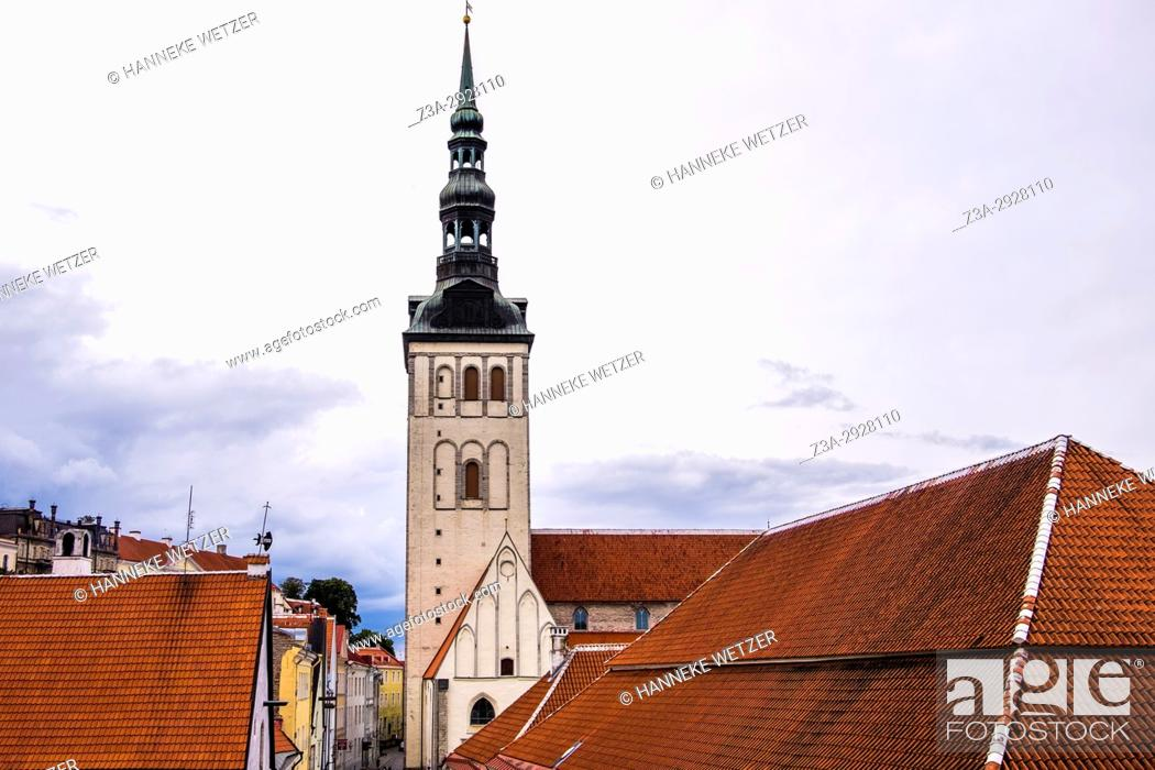 Photo de stock: St. Olaf's church in Tallinn, Estonia.