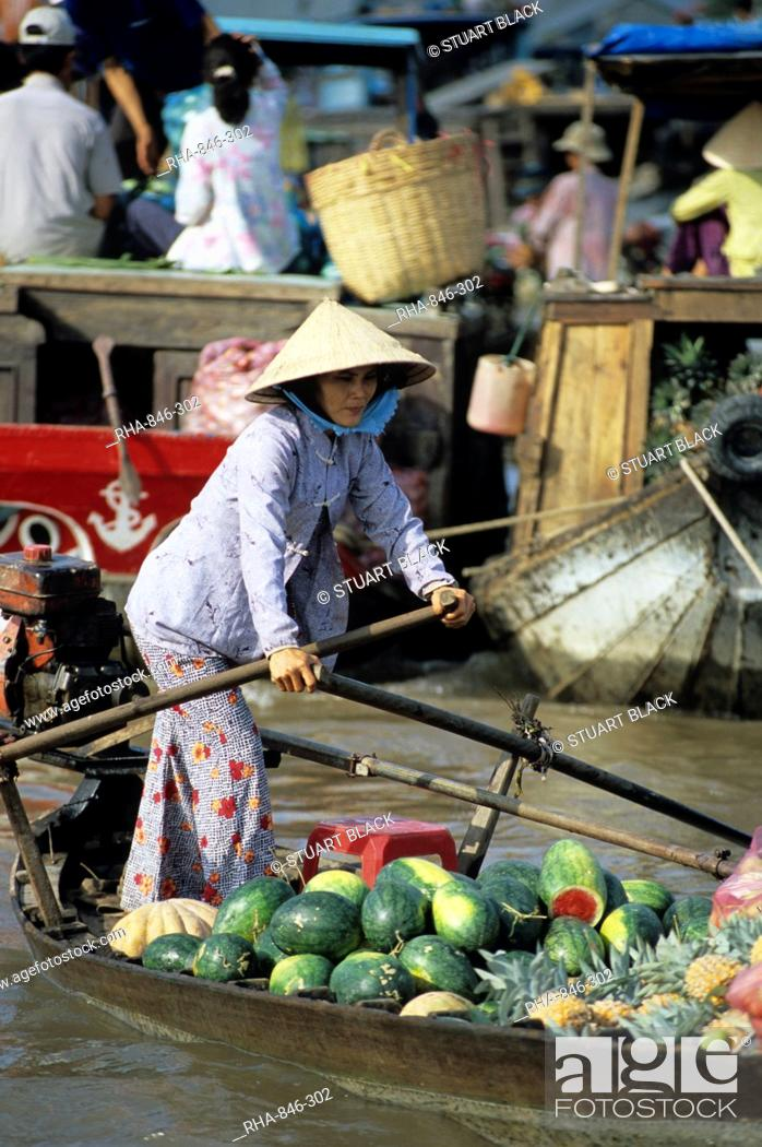 Stock Photo: Floating market, Can Tho, Mekong Delta, Vietnam, Indochina, Southeast Asia, Asia.