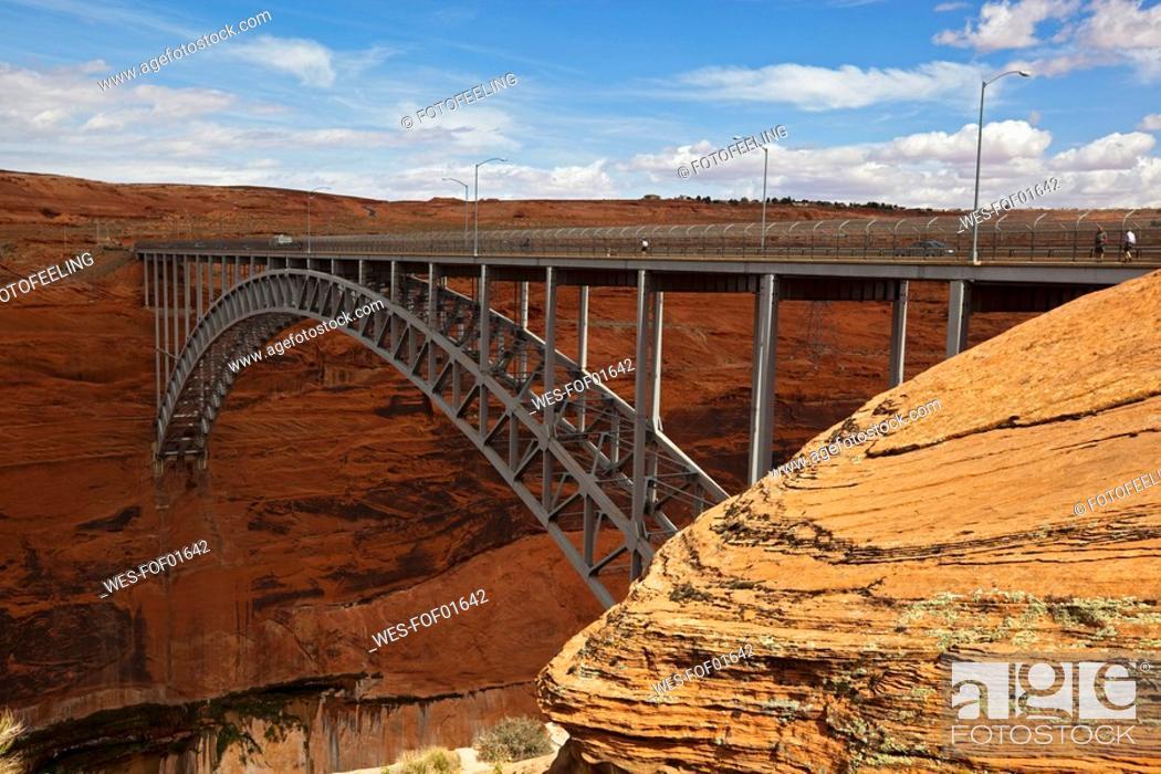 Stock Photo: USA, Arizona, Glen Canyon National Park, Bridge.