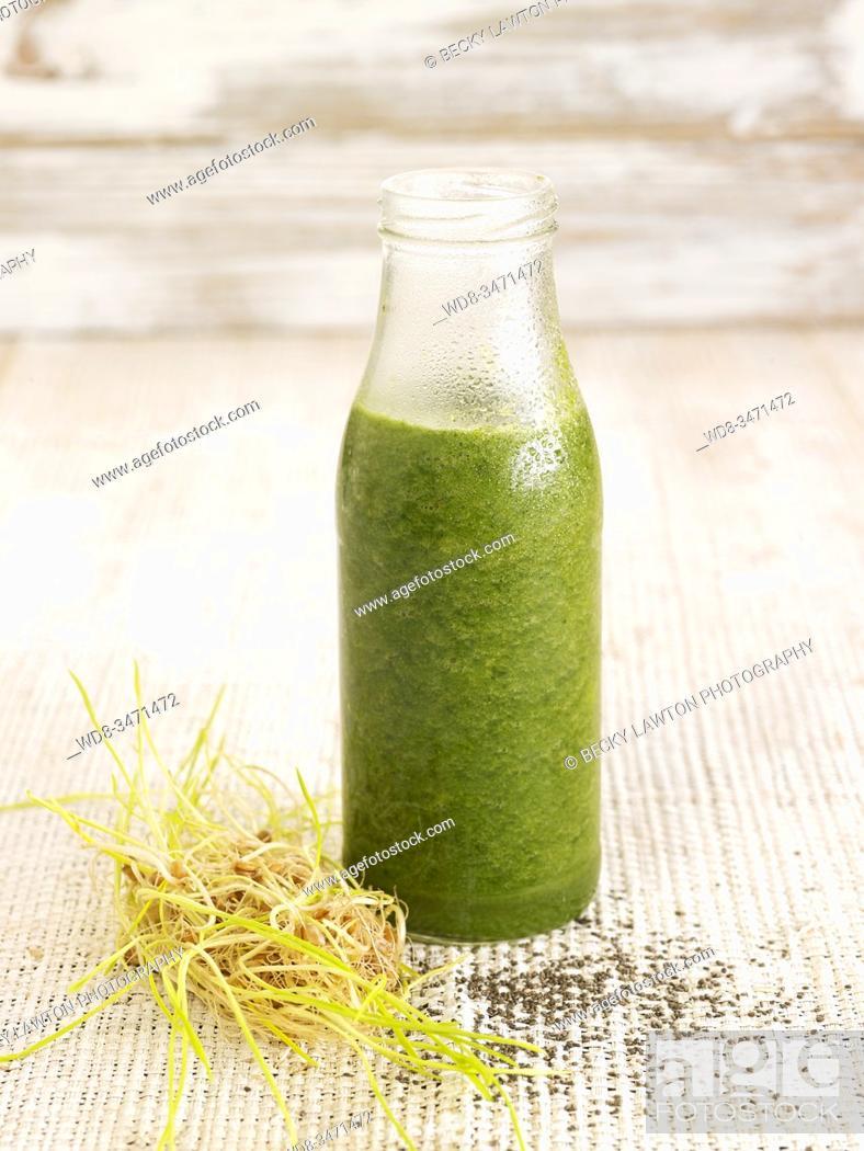 Stock Photo: zumo nutritivo / nutritious juice.