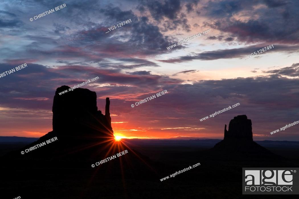 Stock Photo: The Mittens at sunrise, Monument Valley, Arizona, USA.
