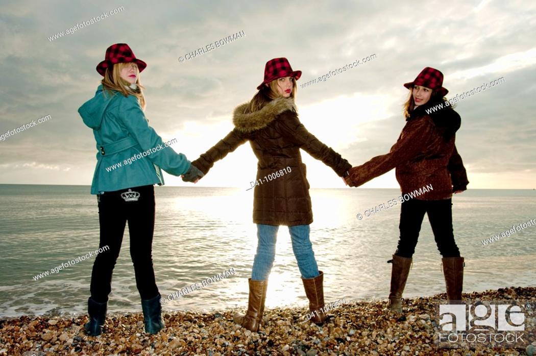 Stock Photo: teenagers silhouette brighton.